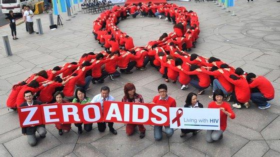A meta para 2015 era deter e começar a reduzir a propagação do VIH/Sida