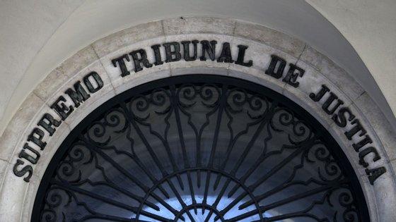 O STJ concluiu que o juiz Rui Teixeira violou o dever de obediência