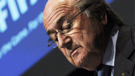 O escândalo rebentou dia 27 de maio, quando o Departamento de Justiça dos Estados Unidos indiciou nove dirigentes e cinco parceiros da FIFA