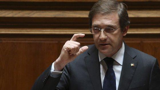 """Passos: A Grécia esteve """"à distância de um cabelo de um total caos financeiro"""""""