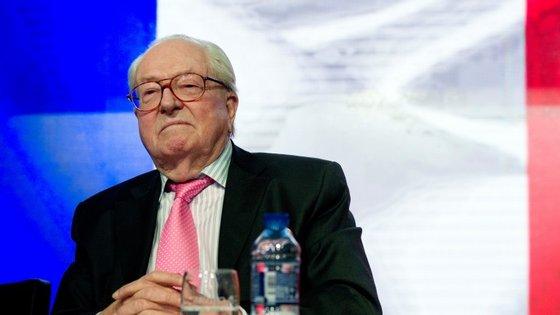 Aliança é semelhante à formada pela sua filha, Marine Le Pen, atual presidente da FN, com os soberanistas