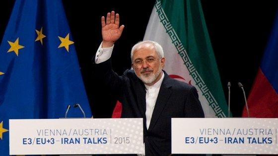 O ministro dos Negócios Estrangeiros do Irão, Mohammad Javad Zarif, já tinha dito que a sanções seriam levantadas