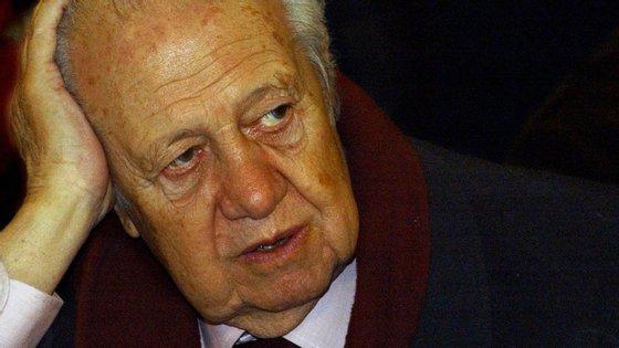 Mário Soares foi com Capoulas Santos visitar José Sócrates durante hora e meia