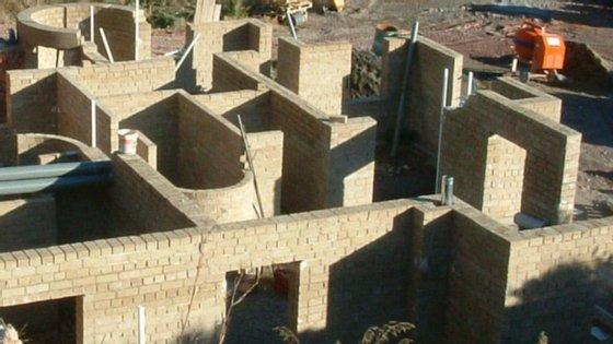 O tijolo de cânhamo é um eficiente regulador da temperatura, respirável e ecológico