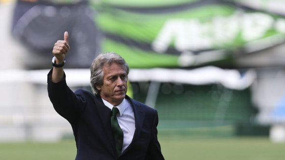 O treinador afirmou que não houve ruptura com Luís Filipe Vieira, apenas falta de desejo dos 'encarnados'