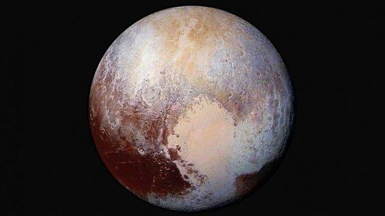Na semana passada, a NASA revelou imagens novas da superfície de Plutão