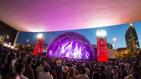 Em Lisboa há Super Bock Super Rock, em Gaia há Marés Vivas e no Alentejo há Festival de Músicas do Mundo