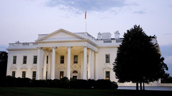 Durante o bloqueio, nenhuma pessoa pôde entrar ou sair da Casa Branca como medida de segurança.