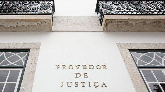 O parecer, assinado pela provedora adjunta Helena Pinto, é datado de 11 de agosto
