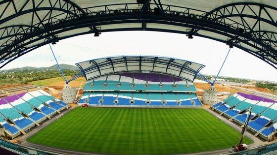 O jogo da Supertaça que opõe o Benfica ao Sporting realiza-se no Estádio do Algarve, no domingo, às 20h45