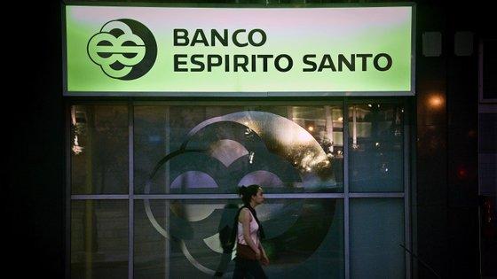 O Consórcio de Defesa para os Investidores do BES pede o arresto de todos os bens imóveis do banco