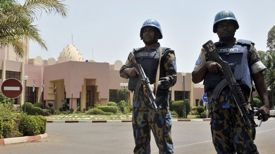 Fontes militares confirmaram a liberação de reféns, segundo avança a agência AFP.