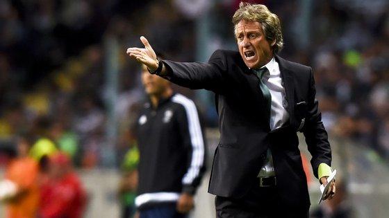 """Fonte próxima de Jorge Jesus defendeu que """"o Benfica tinha necessidade de antecipar este processo para matar o tema das prendas aos árbitros"""""""