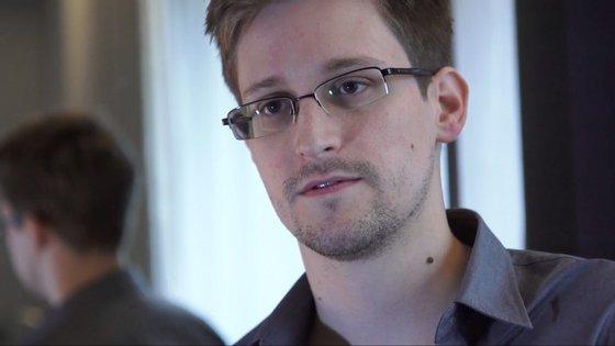 Snowden vive na Rússia, onde obteve asilo político