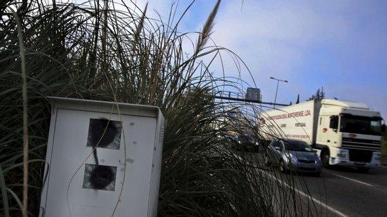 O acidente aconteceu no sentido Campo Grande - Aeroporto, informou a PSP