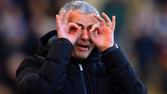 As críticas de José Mourinho a Eva Carneiro não lhe valerão nenhuma suspensão.