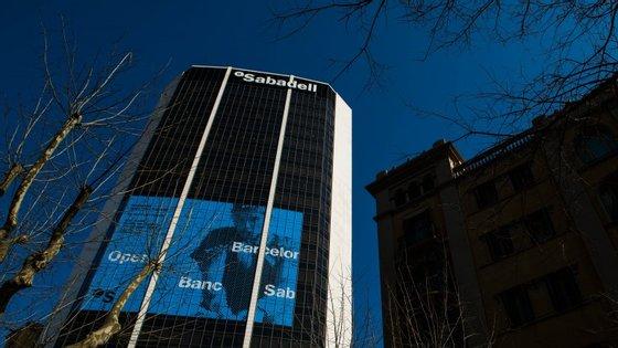 A banca espanhola advertiu em comunicado para os riscos da independência da Catalunha