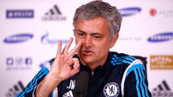 """Mourinho alertou o FCPorto  para não fazer uma """"interpretação errada"""" do momento que o Chelsea atravessa"""