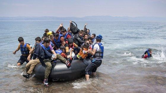 Lesbos é uma das muitas ilhas gregas do Mar Egeu que enfrenta um afluxo considerável de refugiados