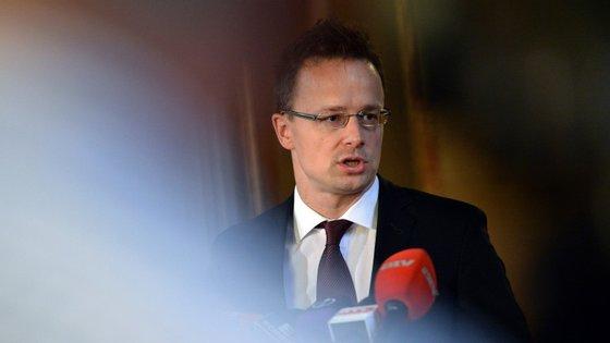 """Recentemente, o ministro dos Negócios Estrangeiros húngaro, Peter Szijjarto, disse à BBC que """"o sistema de quotas obrigatórias não faz sentido nenhum""""."""