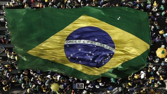 Os protestos em São Paulo intensificaram-se neste Verão, reunindo milhares de pessoas nas ruas
