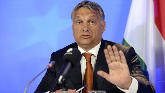 """Viktor Orbán afirmou que os refugiados devem """"regressar às suas casas e ao seu país""""."""