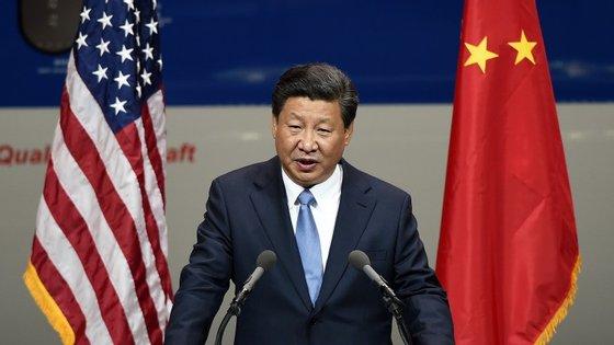 Xi Jinping tem aproveitado a viagem oficial aos EUA para mudar a sua imagem e até tentou o recurso ao humor
