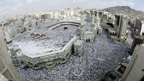 Todos os anos, milhões de muçulmanos rumam a Meca para a peregrinação anual
