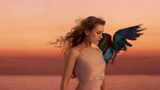 Em outubro chegam novas canções da harpista Joanna Newsom