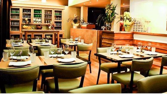 """Sala do restaurante Tasca da Esquina, em São Paulo, distinguido como """"O melhor restaurante português no Brasil 2015"""""""