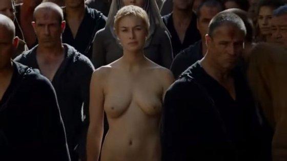 """Não, a atriz Lena Headey não se despiu mesmo para a rodagem da cena """"walk of shame"""" na série Game of Thrones"""