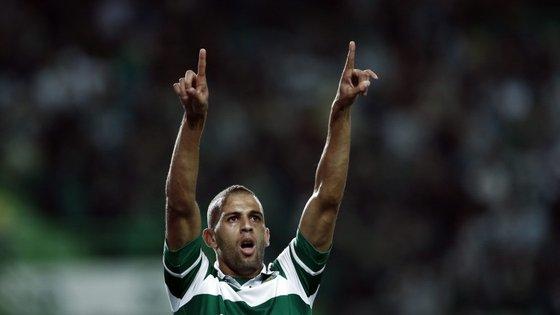 William Carvalho deu muito nas vistas, mas Islam Slimani fez o primeiro hat-trick em Portugal, ficou com cinco golos marcados no campeonato e levou a bola para casa. O Sporting continua a partilhar a liderança do campeonato com o FC Porto