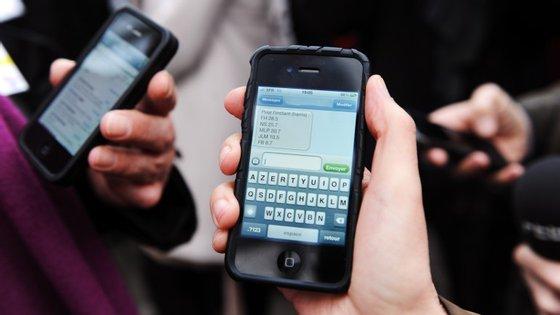 Os adolescentes chegam a trocar, em média 167 mensagens por  dia