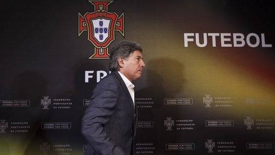 """O presidente do Conselho de Arbitragem afirma que só ficou a conhecer as """"prendas"""" oferecidas pelo Benfica aos árbitros através do presidente do Sporting"""