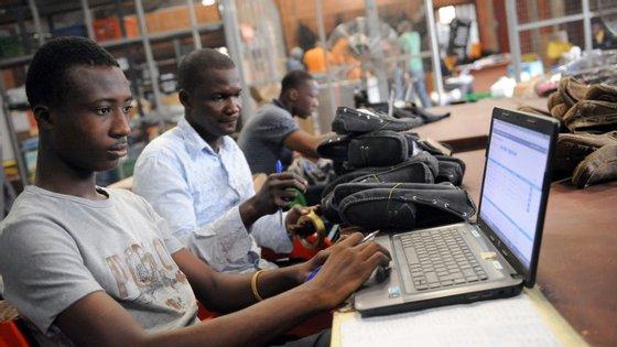 O presidente nigeriano Ngoze Okonjo-Iweala lançou o YouWiN! em 2011