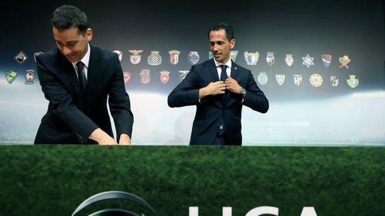 A decisão foi votada favoravelmente por 16 clubes da Liga, e por 6 clubes da II Liga