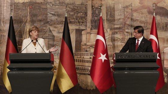 """""""Um país sozinho não pode assumir a migração ou a ajuda a pessoas em dificuldade"""", advertiu Merkel"""