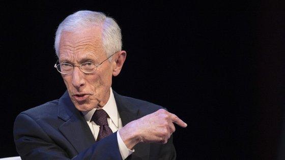 Stanley Fischer, vice-presidente da Reserva Federal prevê a subida as taxas de juro, mas não faz promessas