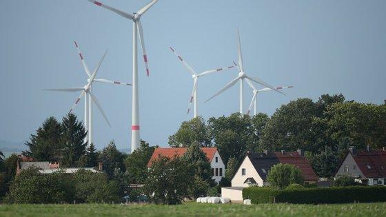 Aumentar a produção de eletricidade de fonte renovável em 27% até 2030