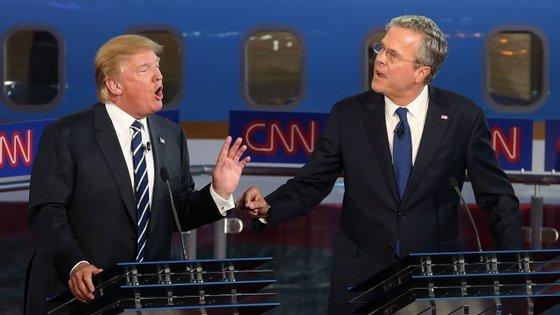 Trump e Bush protagonizaram no Twitter uma discussão sobre George W. Bush