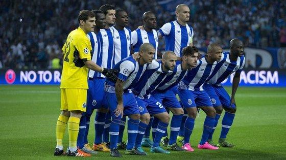 Só aqui aparece Yacine Brahimi (o segundo a contar da direita, em baixo), mas também Hector Herrera e Helton têm os seus direitos económicos a servirem de garantias para dois empréstimos contraídos pela SAD do FC Porto