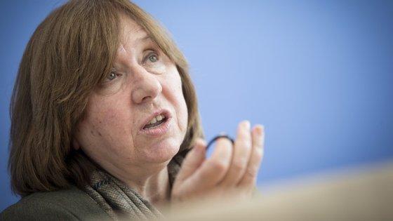 """Svetlana Alexievitch: Alexander Lukashenko """"é um 'homem soviético' e nunca mudará"""""""