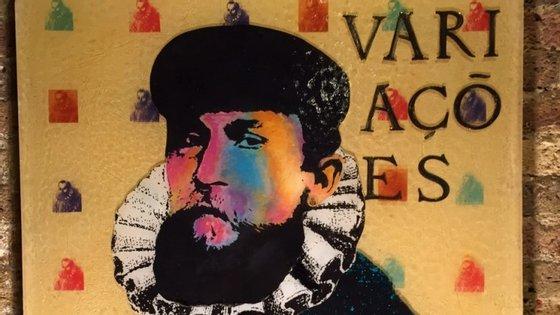 Fusão entre Luís de Camões e António Variações. Esta é uma das obras de Rueffa expostas em Lisboa