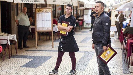 A da Rua dos Correeiros, em Lisboa, é provavelmente um dos sítios do país com maior concentração de travessas de cozido à portuguesa por metro quadrado