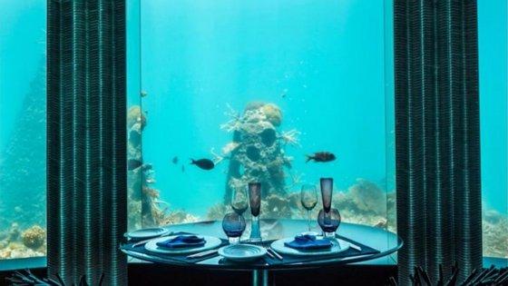 No Subsix é possível jantar debaixo de água. E depois dar um pézinho de dança