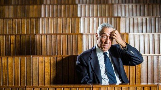 Marcelo não parece um homem com dores de cabeça presidenciais