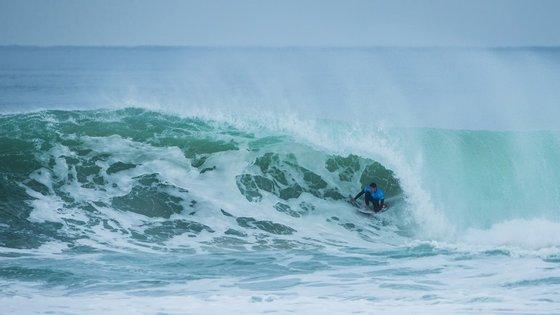 O brasileiro não deu hipótese ao australiano Bede Durbidge na final e derrotou-o com um 9.00 e um 8.00 nas duas melhores ondas