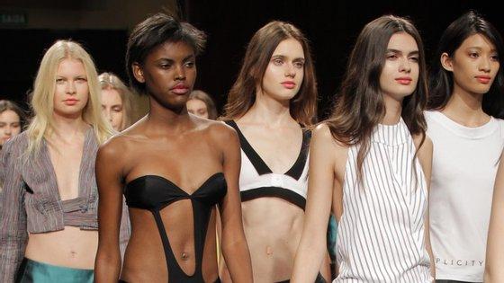 As manequins de Fátima Lopes desfilaram no Coliseu do Porto. Foram apresentadas as propostas para a próxima primavera/verão.