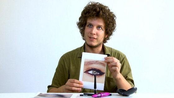 """As nossas """"cobaias"""" tentaram recriar, pela primeira vez, três maquilhagens diferentes de olhos."""