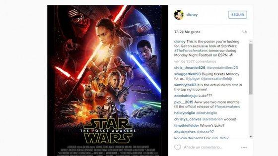 """As companhias Disney e Lucasfilm divulgaram este domingo o poster de """"Star Wars: O Despertar da Força"""""""